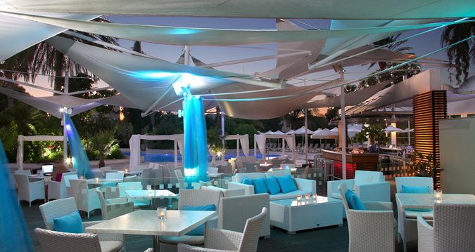 Dining at Sorrento Pool Bar & Grill