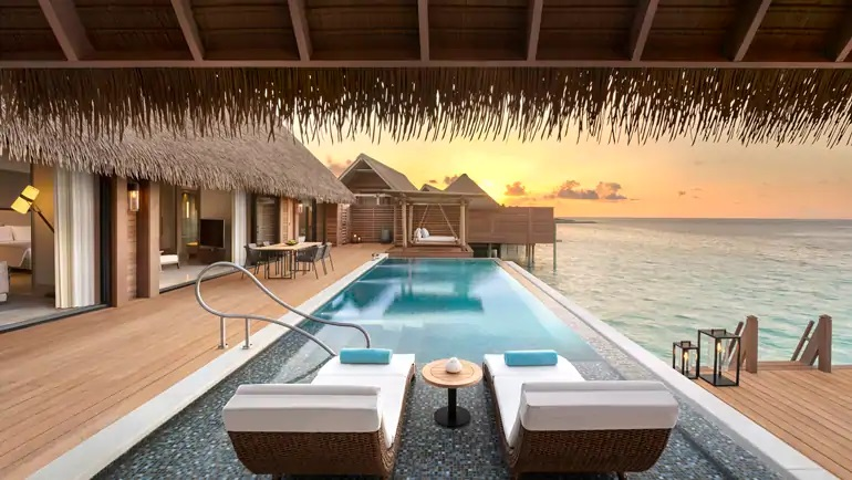 King Grand Reef Villa with Pool